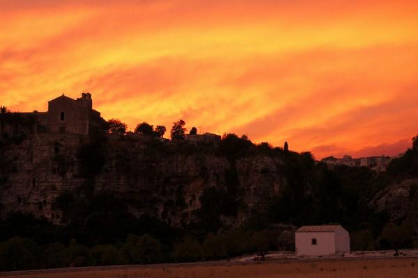 Ispica – Vignale San Giovanni e Chiesa Santa Maria del Gesu